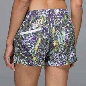 lululemon athletica Shorts - LULULEMON spring breakaway short size 8